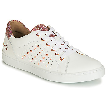 Shoes Girl Low top trainers Bullboxer AGM008 White