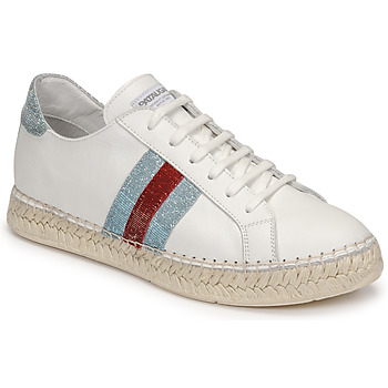 Shoes Women Low top trainers Pataugas MARBELLA White