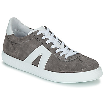 Shoes Men Low top trainers André GILOT Grey