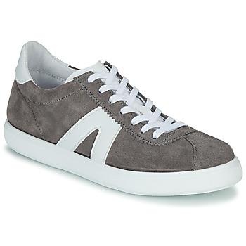 Shoes Men Low top trainers André GILOT Grey
