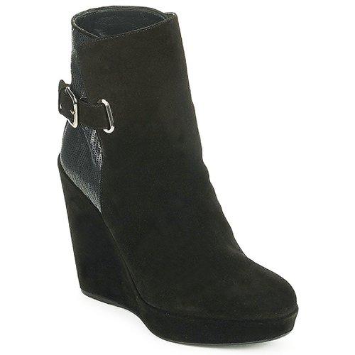 Shoes Women Ankle boots Stuart Weitzman PARAGRAPH Black
