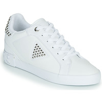Shoes Women Low top trainers Guess PAYSIN White