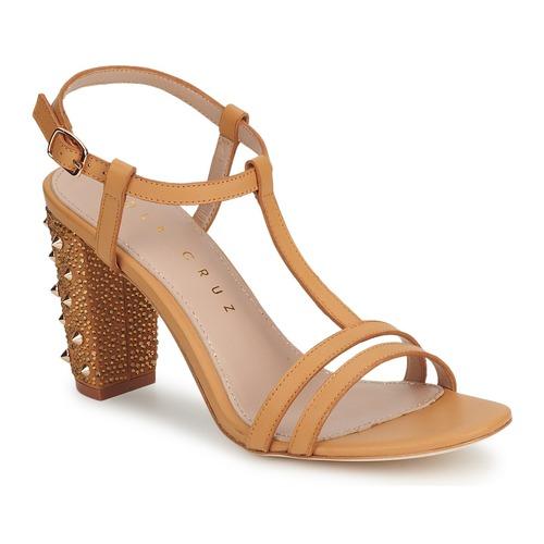 Shoes Women Court shoes Lola Cruz STUDDED Beige / Tan
