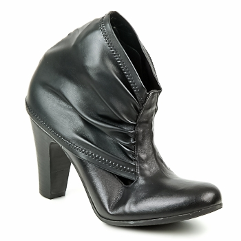 Shoes Women Ankle boots Now CAJAMAR Black