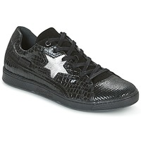 Shoes Women Low top trainers Pataugas JOIA Black