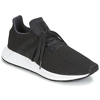Shoes Men Low top trainers adidas Originals SWIFT RUN Black