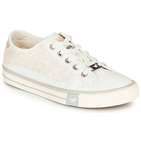 Shoes Women Low top trainers Mustang ROULIA White
