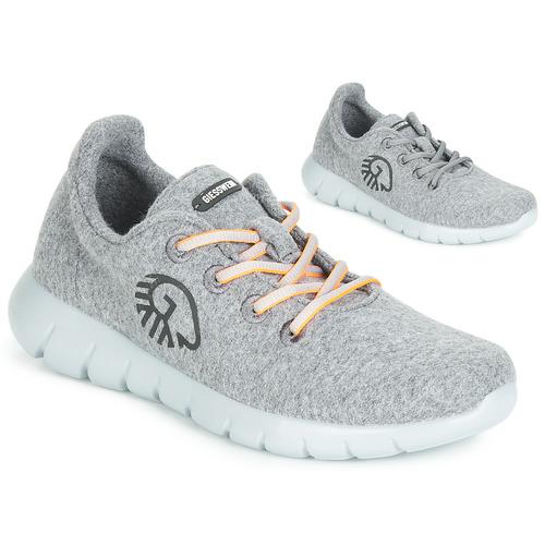 Shoes Women Low top trainers Giesswein MERINO RUNNERS Grey