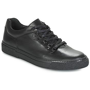Shoes Men Low top trainers André RIAD Black