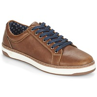 Shoes Men Low top trainers André NIELD Brown