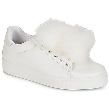 Shoes Women Low top trainers André POMPON White